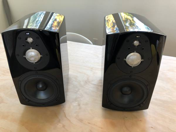 Photo NHT Model Three Speakers - $250 (Davis)