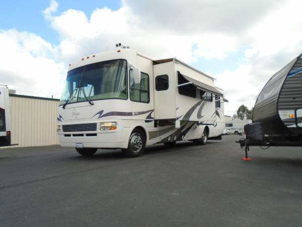 Photo National Dolphin 5342 Motorhome 2 SLIDES..35K miles..CLEAN..WE FINANCE - $36,900 (Placerville)