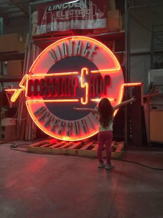 Photo Neon Incredible Vintage Shop Sign Store Signage - $9,500 (Rancho Cordova)