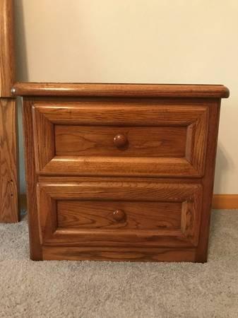 Photo Oak (2) Nightstands - $90 (Meadow Vista)