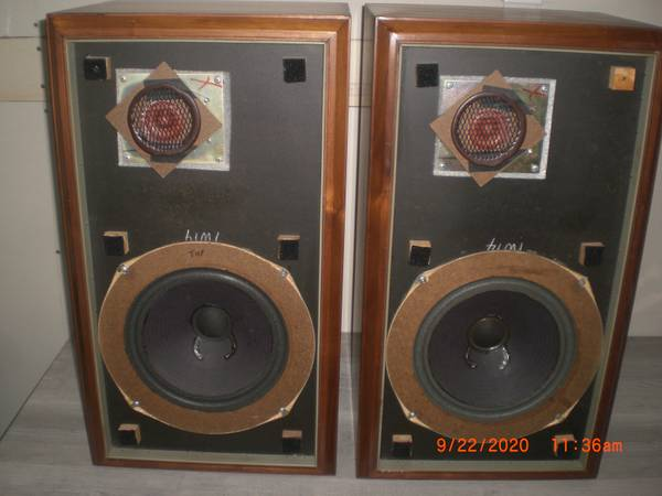 Photo Original Large Advent Speakers - $300 (Sacramento)