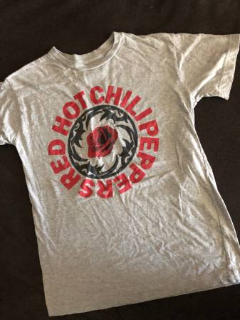 Photo Red Hot Chili Peppers Tee - $3