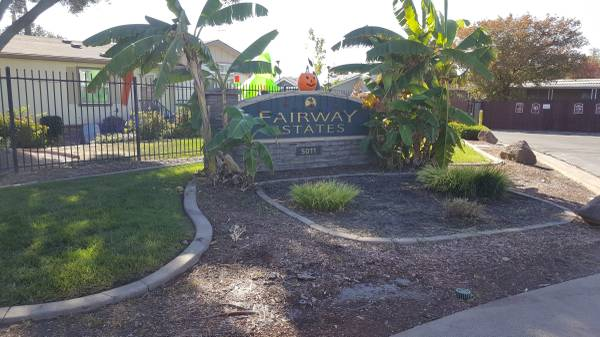 Photo SINGLE WIDE IN GATED ALL AGE COMMUNITY  (North Highlands)