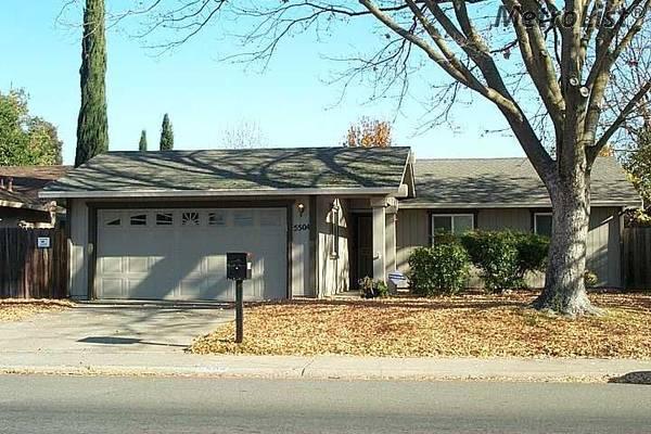 Photo Single story 3bed2bath near ARC, dual panes, corian, fixer upper (Sacramento)
