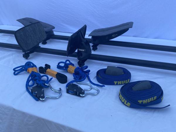 Photo THULE KAYAK GLIDE ROOF RACK CARRIER. MADE IN USA - $110 (SACRAMENTO)