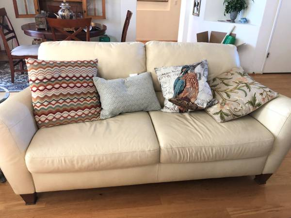 Photo TWO estate sales this weekend in Sun City (Roseville)