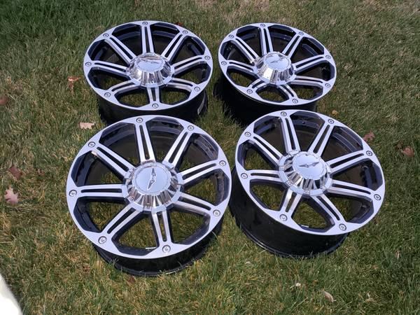 Photo Toyota Tundra, Land Cruiser, Sequoia, Lexus LX Wheels - $550 (Vacaville)