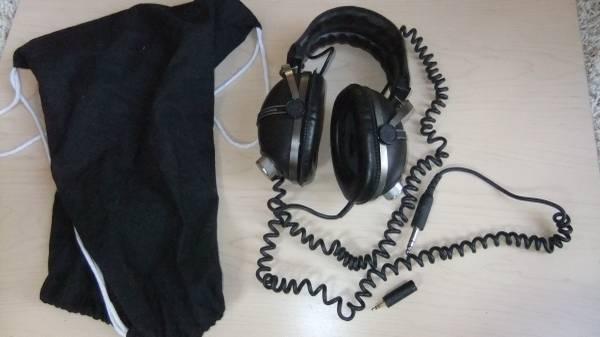 Photo Vintage Pioneer SE-405 Volume Control Stereo Headphones Retro Audiophi - $65 (Citrus Heights)