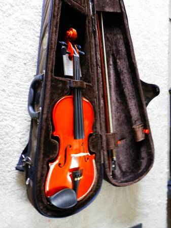 Photo Violin, Mendini 12 size violin outfit with bow and case th bow  case - $65 (Orangevale)