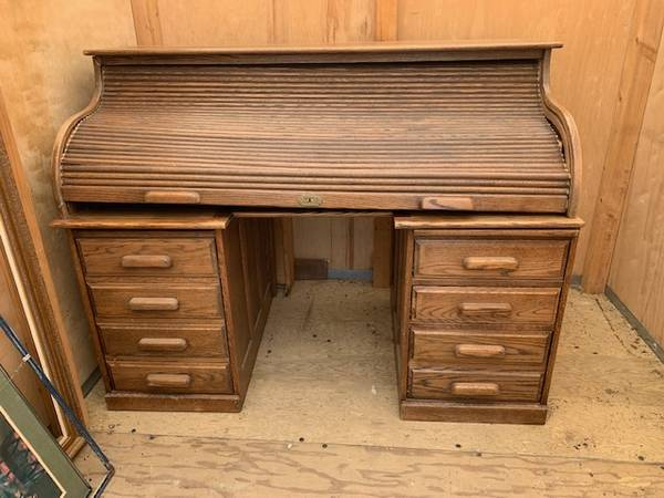 Photo Windsor Roll Top Desk - $200 (Lincoln)