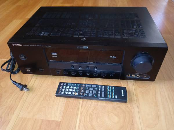 Photo Yamaha Rx-v363 5.1 Channel Home Theater Receiver Hdmi W Rem - $100