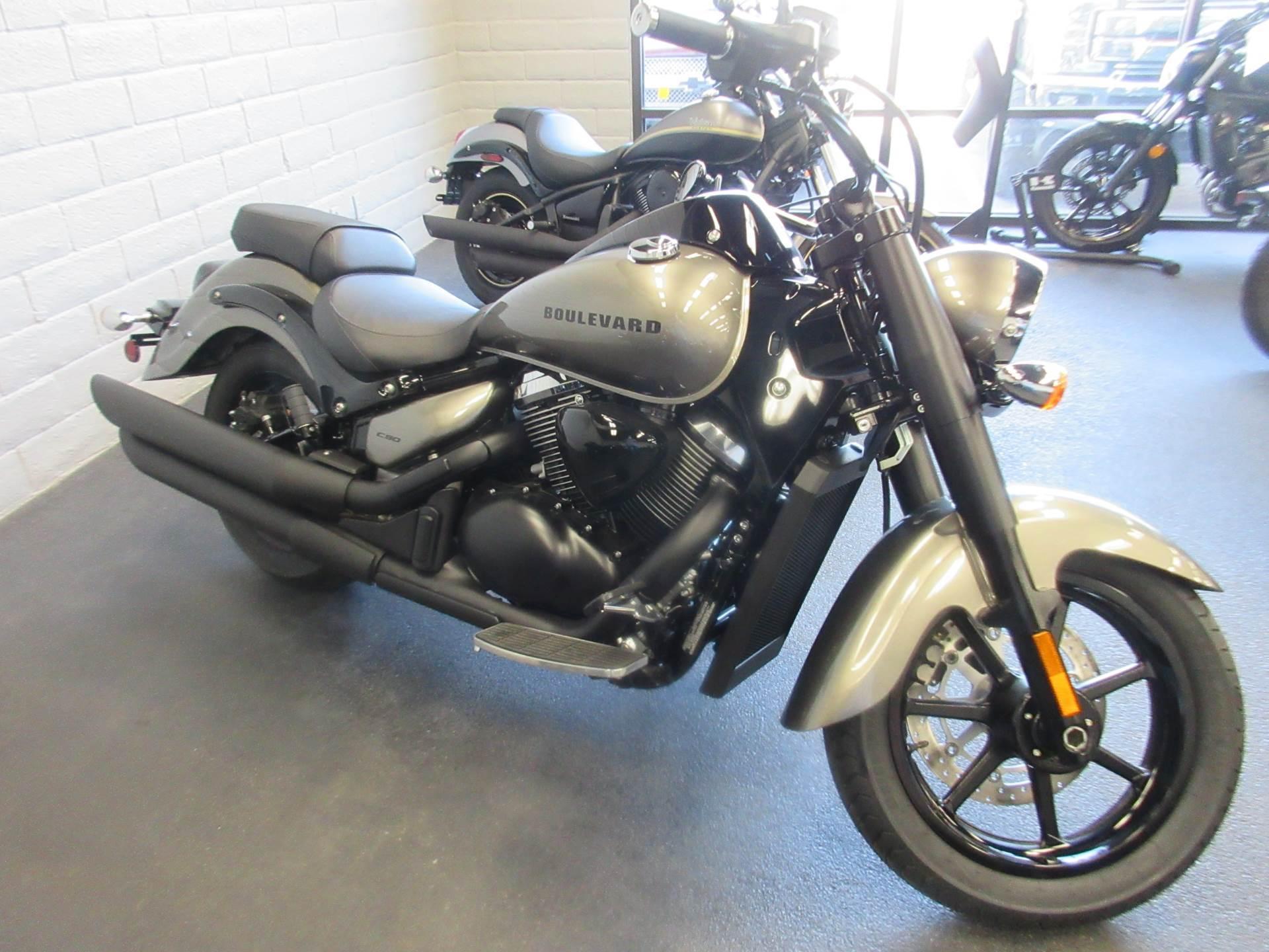 Photo 2019 Suzuki Cruiser Motorcycle  $9999