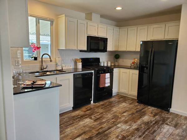 Photo You39ll  this move in ready home  (North Highlands)
