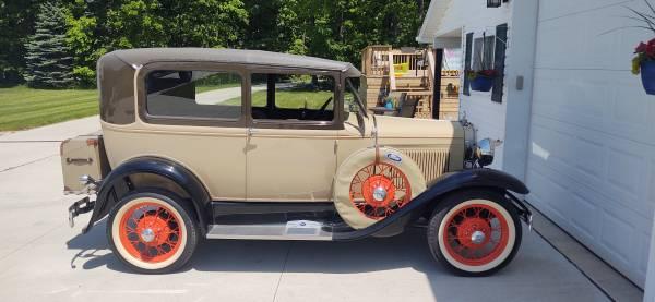 Photo 1930 Ford model A Tudor - $14,500 (Freeland)
