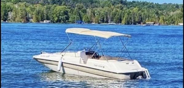 Photo 1997 Four Winns Candia 214 FS Limited Deck Boat - $14,900