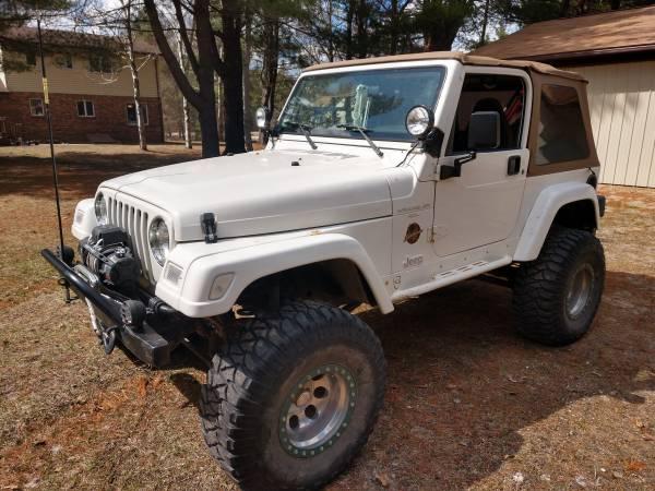 Photo 1997 Jeep Wrangler Sahara - $10500 (MIDLAND)