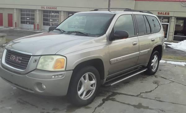 Photo 2002 GMC ENVOY SLT160,000 MILES4 WHEEL DRIVE - $3000 (CLIO)