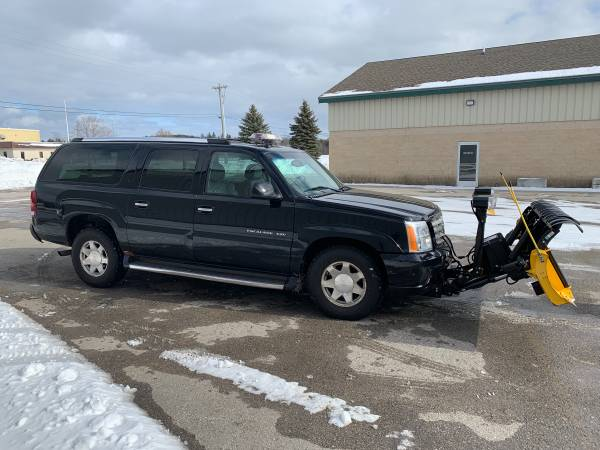 Photo 2003 Cadillac Escalade ESV with Snow Way snowplow - $6900 (Alpena MI)
