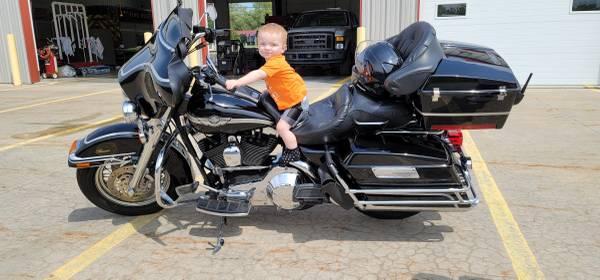 Photo 2003 Harley Davidson Electra Glide Classic 100th Anniversary Edition - $7,500 (Beaverton)