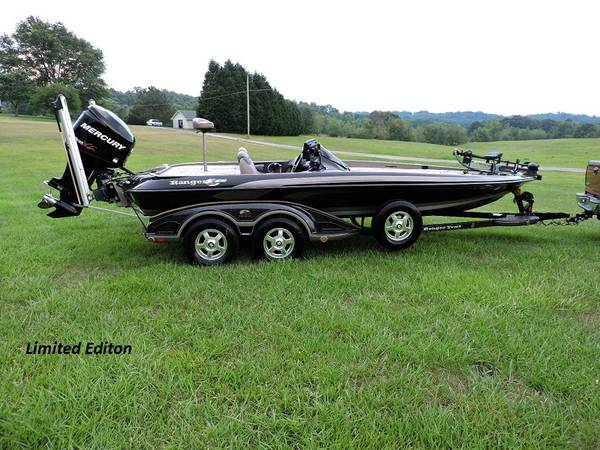 Photo 2009 Ranger Z21 Bass Boat C205quot8.65 Limited Editon Dual Console - $21,600 (Saginaw)