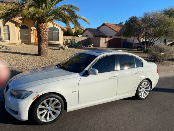 Photo 2011 BMW 328 - $6900 (Au Gres)