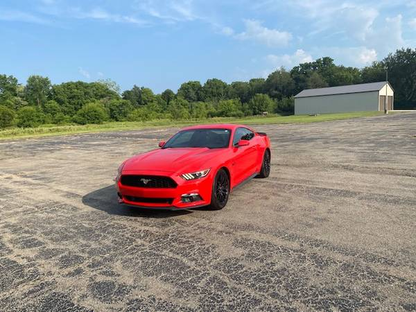 Photo 2015 Ford Mustang GT - $24,900 (Grand Blanc)