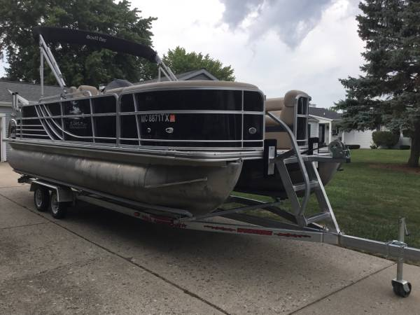 Photo 2016 South Bay Pontoon - $32995 (Saginaw Twp.)