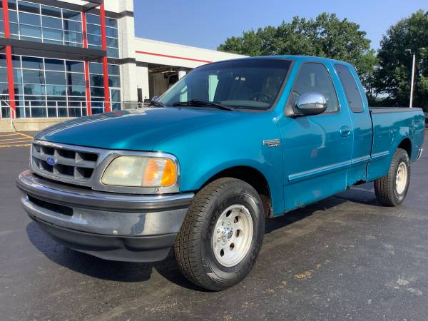 Photo Affordable 1997 Ford F-250 XLT 4x4 Ext Cab Low Miles Reliable - $4,900 (ortonville)