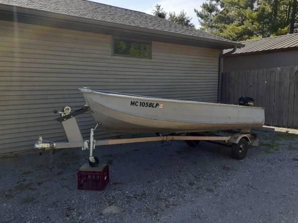 Photo Aluminum fishing boat 14 ft - $1,500 (Kawkawlin)