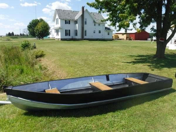 Photo Boat 14 Foot Aluminum Fishing Boat - $500 (Birch Run)