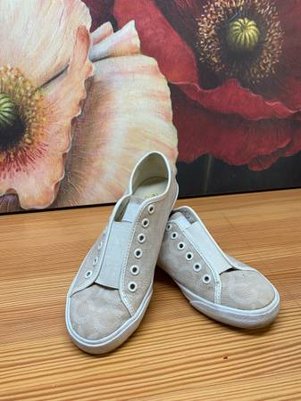 Photo COACH Womens shoes sneakers - $20 (Midland)