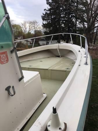 Photo Center Console Aquasport 196 Fishing boat - $3,000 (Bridgeport)