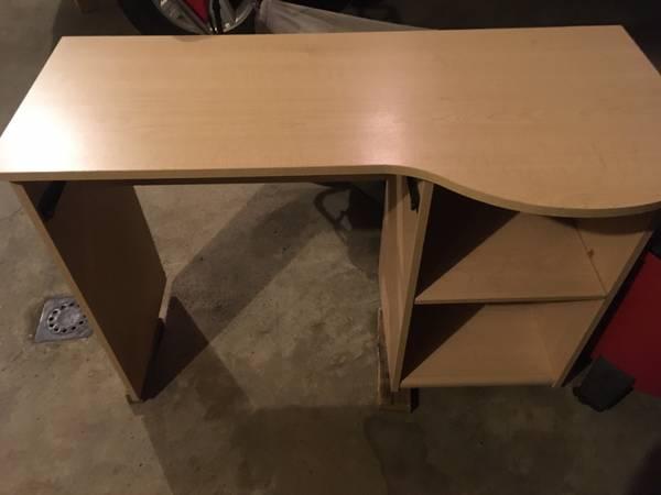 Photo Computer Desk or Childs School Desk - $15 (Essexville)
