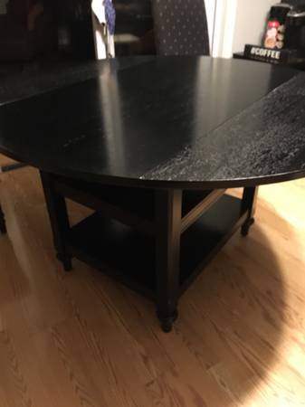 Photo Dinning table- pottery barn - $100 (Saginaw)