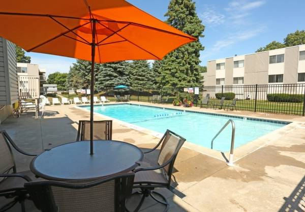 Photo Extra Large 2-Bedroom Floor Plans, Pet Friendly, Central Air