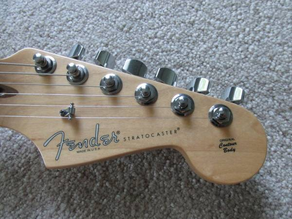 Photo Fender American Standard Strat - $900 (Owosso)