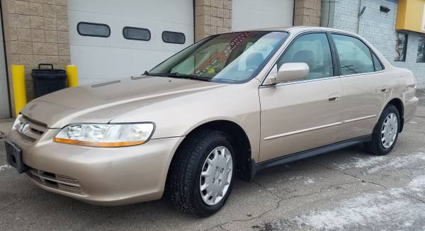 Photo HONDA ACCORD LX 4-DR 2001 EXTRA CLEAN INSIDE AND OUT NON SMOKER 4-CYL - $2900 (SANFORD MI)