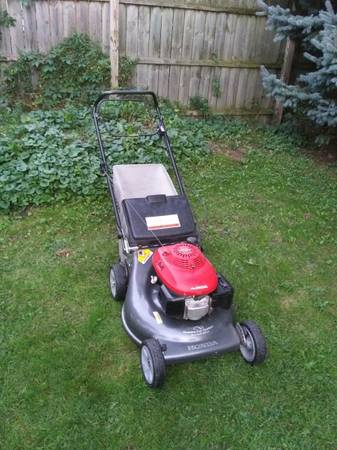 Photo Honda Quadra-Cut Self-Propelled Commercial Mower. Runs Great (Bay City)
