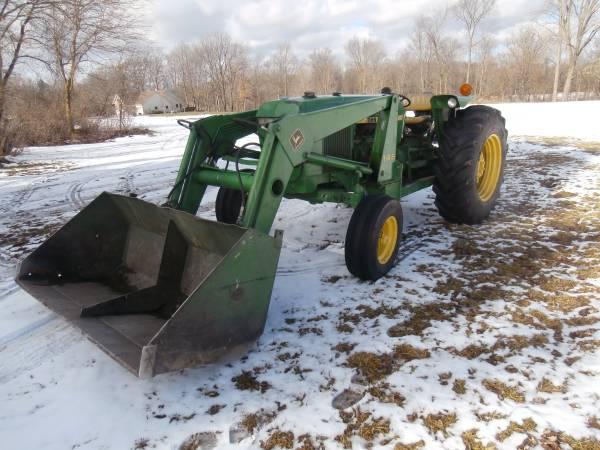 Photo John Deere 2350 Loader Tractor - $12,000 (Frankenmuth)