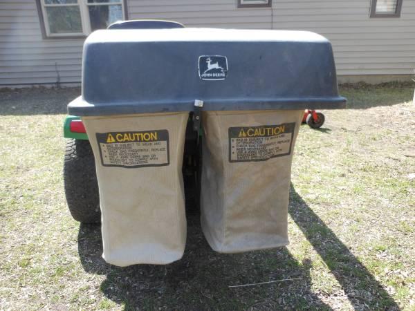 Photo John Deere 265 Power flow bagger unit for sale - $350 (Midland Mi)
