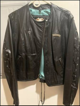 Photo Ladies Womens Harley Davidson Jacket Worn Once - $125 (Pinconning MI)