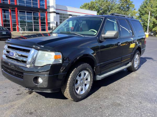 Photo Nice 2010 Ford Expedition XLT 4x4 Guaranteed Finance - $6,900 (ortonville)