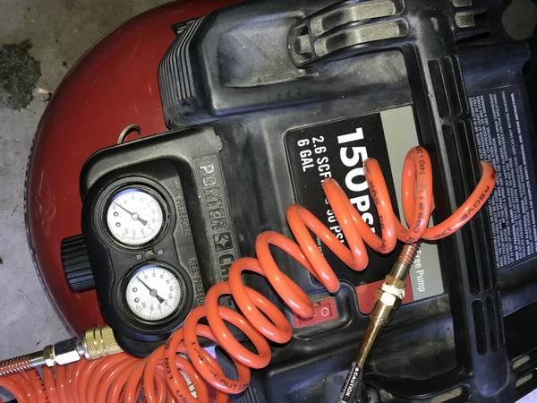 Photo Porter-Cable Air Compressor - 150 PS6 GalI - - $65 (Midland)