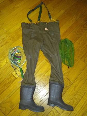 Photo Red Ball waders (not insulated) size 9 like New Plus some extras - $40 (Midland)