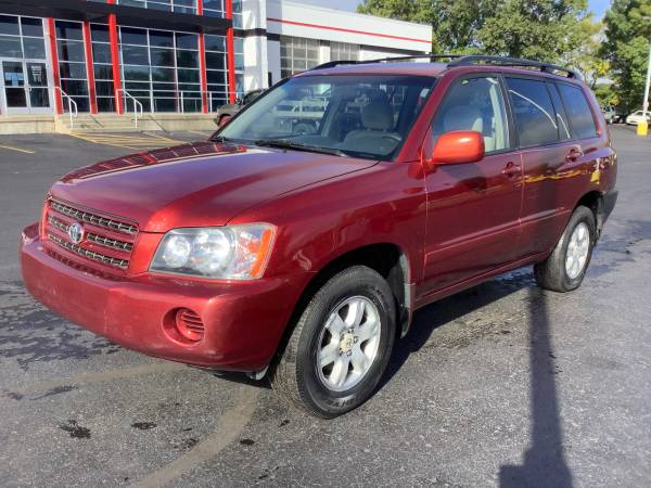 Photo Reliable 2002 Toyota Highlander AWD We Finance - $3,900 (ortonville)