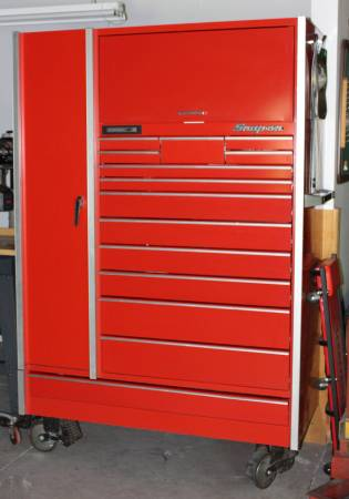 Photo Snap-on Toolbox with tools and Snap-on Hoist - $3,500 (BEAVERTON)