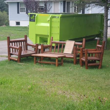Photo Stained Wood Outdoor Furniture - $1,100 (SAGINAW)