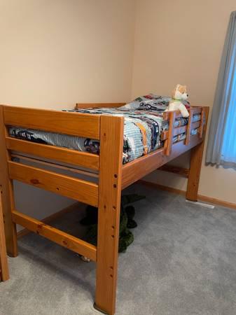 Photo Twin Bed  Jr Loft Bed - $175 (saginaw)