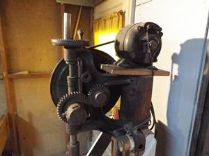 Photo Vintage Drill Press with drill bits lightly used very nice and clean - $75 (Bay City)