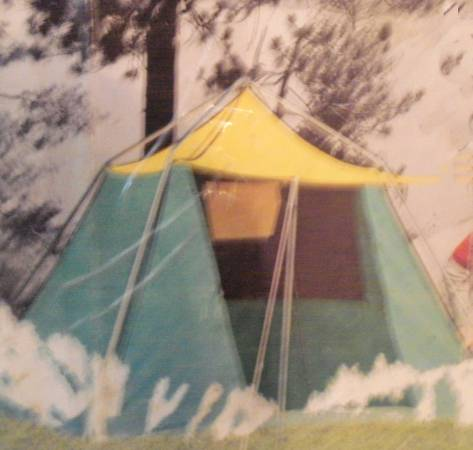 Photo Vintage Wenzel Canvas Tent - $80 (Bay City)